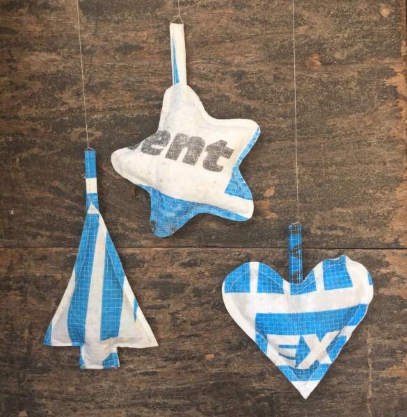 Baum,Stern,Herz aus Plastik, blau + weiß